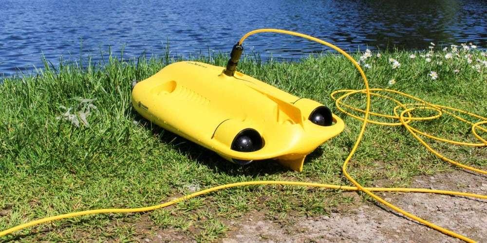 Подводный дрон Gladius Mini на берегу