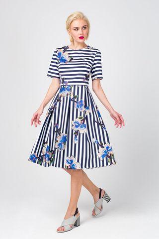 Фото приталенное хлопковое плате в полоску с вышивкой цветов - Платье З373-545 (1)