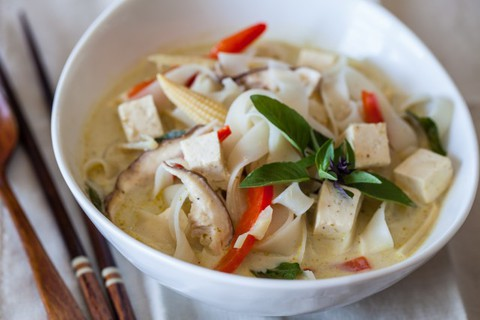 https://static-ru.insales.ru/images/products/1/5836/17200844/vegetable-curry-noodle-soup-recipe-1712-640x426.jpg