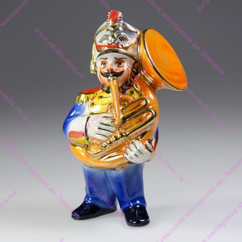 Музыкант с геликоном —  фарфоровая игрушка