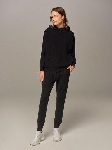 Женский джемпер черного цвета с капюшоном - фото 4