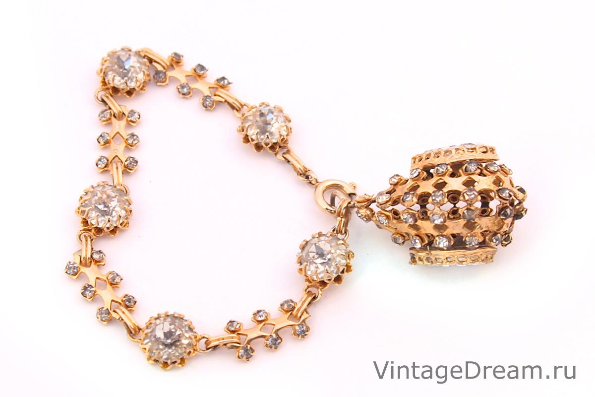 Стильный браслет с подвесом от Dior
