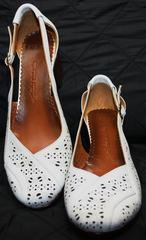 Босоножки на низком каблуке Marani Magli 031 405 White.