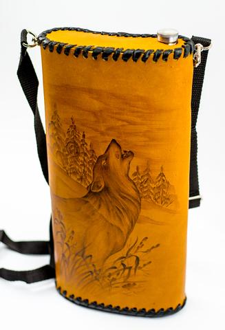 Фляга «Волк», чехол натуральная кожа с художественным выжиганием, 2 л