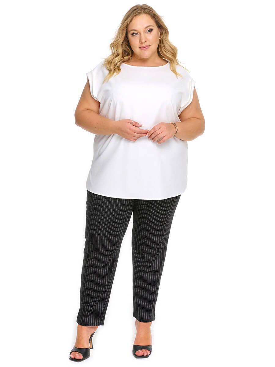 Блуза со спущенным плечом белая