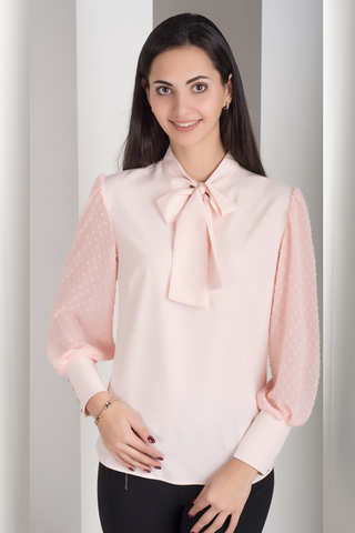 Милена. Изысканная блузка с оригинальным рукавом. Пудра