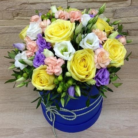 № 58. Сочная яркая  коробка с розами.