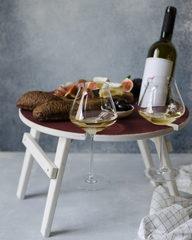 Складной столик винного оттенка
