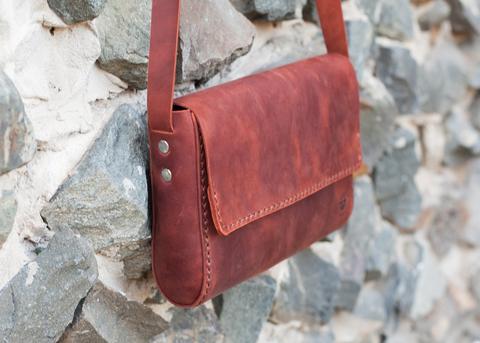 Небольшая женская сумка
