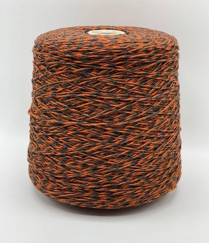 Бобинная пряжа Casa Del filato(пр.Италия), art.TITO. 250м/100гр.  80%меринос 20%полиамид цвет- Серый+оранжевый , арт.2367