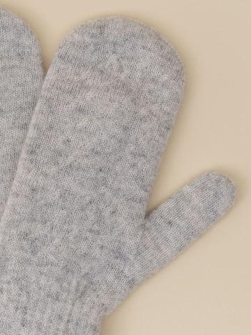 Женские варежки серого цвета из 100% кашемира - фото 2