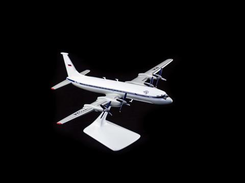 Модель самолета Ил-22 с антеннами (М1:100, Глиц)