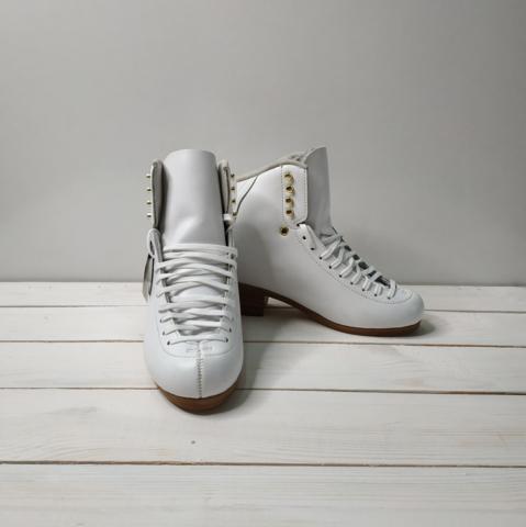 Ботинки фигурные Jackson DJ2900 (белые)