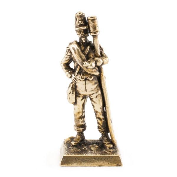 Фигурки солдат Французский артиллерист francuzskiy-artillerist-figurka.jpg