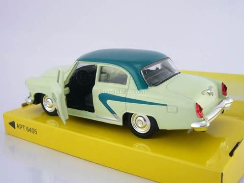 GAZ-21 Volga Vintage car 72 AutoPark 1:43