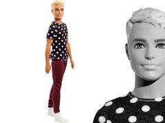 Barbie Игра с модой Кен Магия кукол