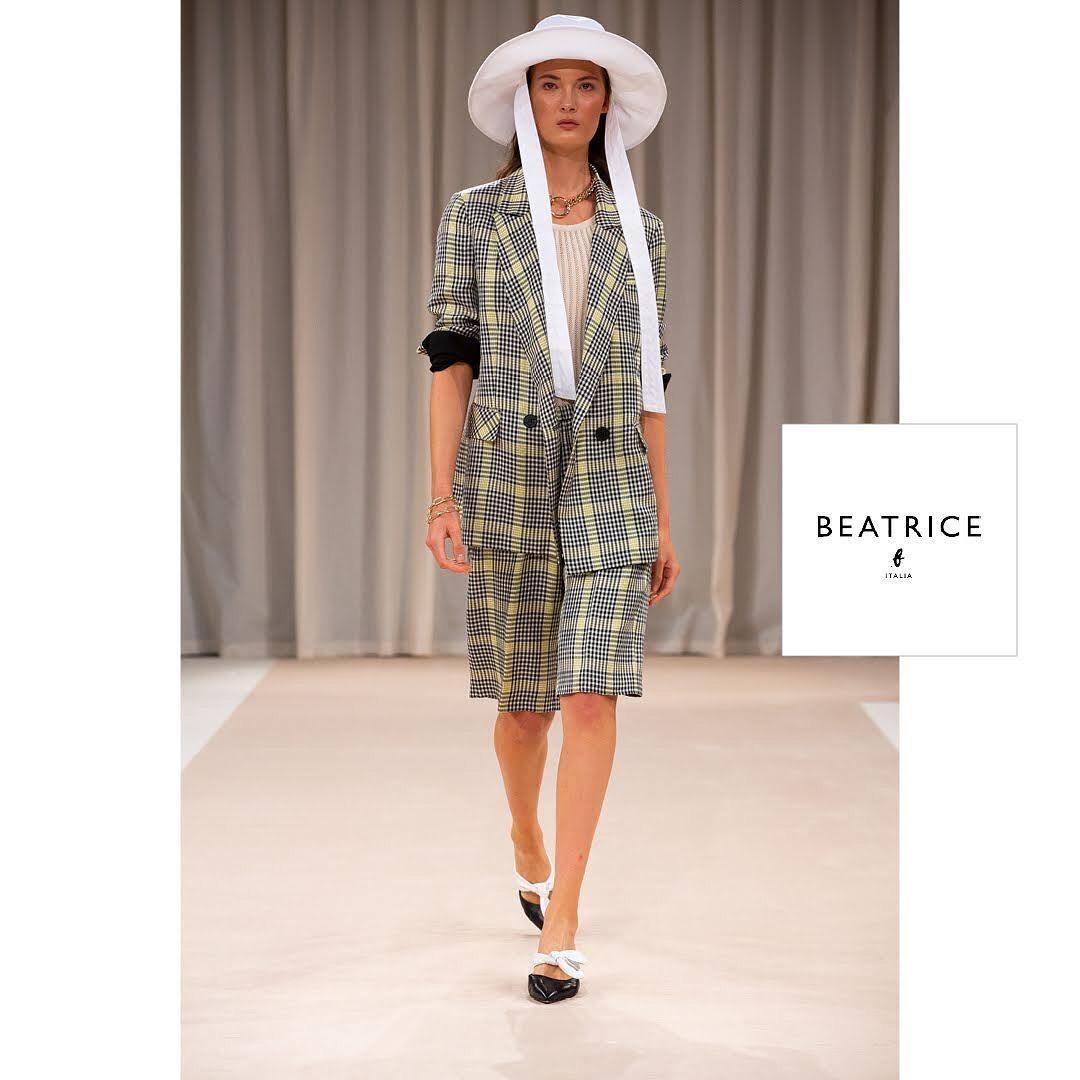 Beatrice b Костюм с шортами