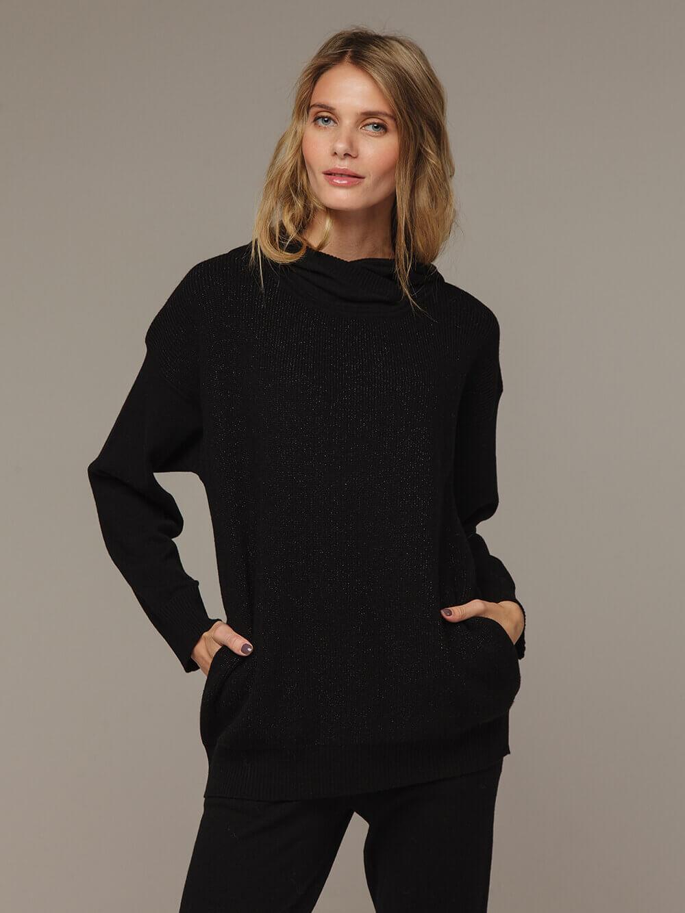 Женский черный джемпер с капюшоном из шерсти и кашемира - фото 1