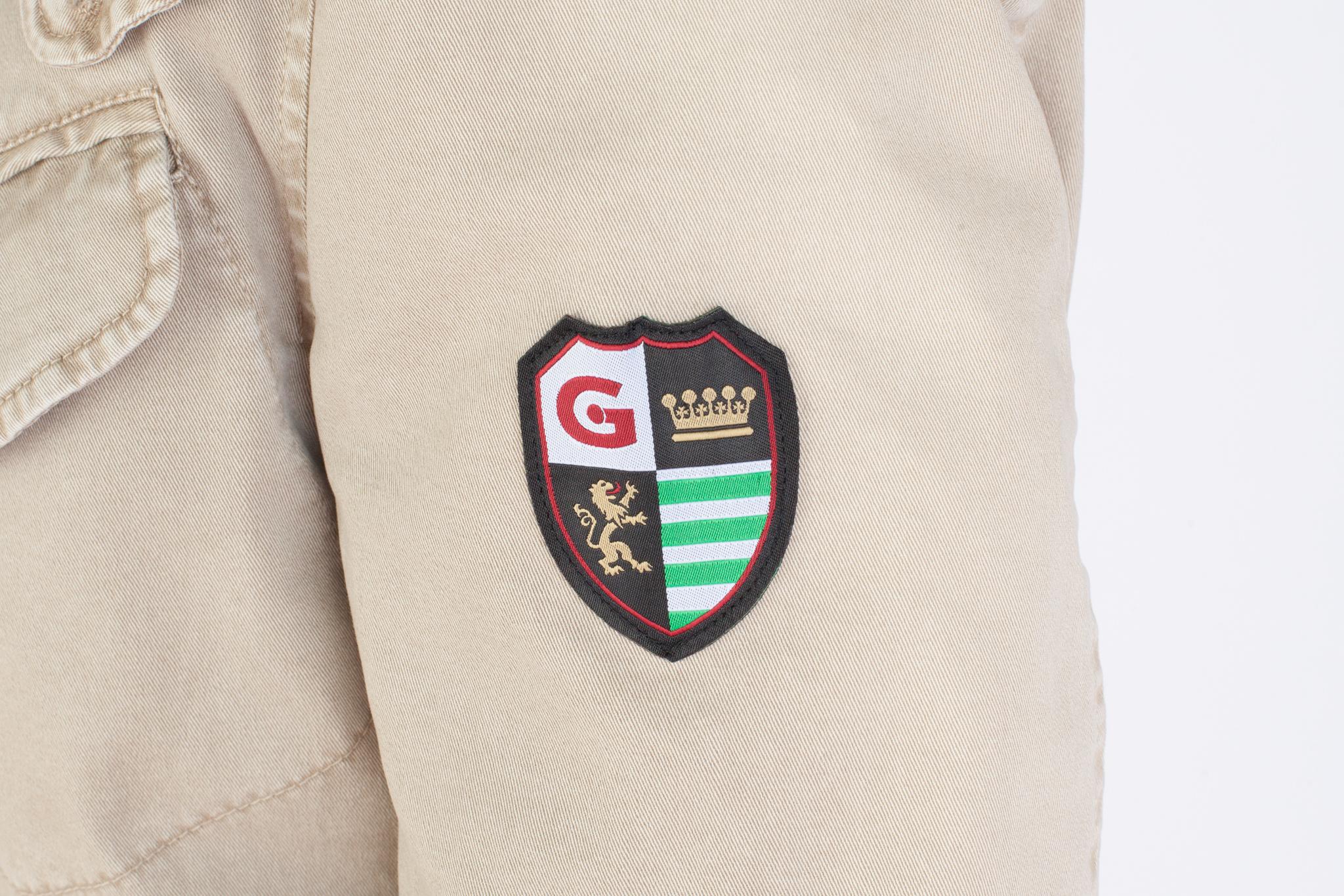 Бежевый хлопковый бушлат с капюшоном, логотип