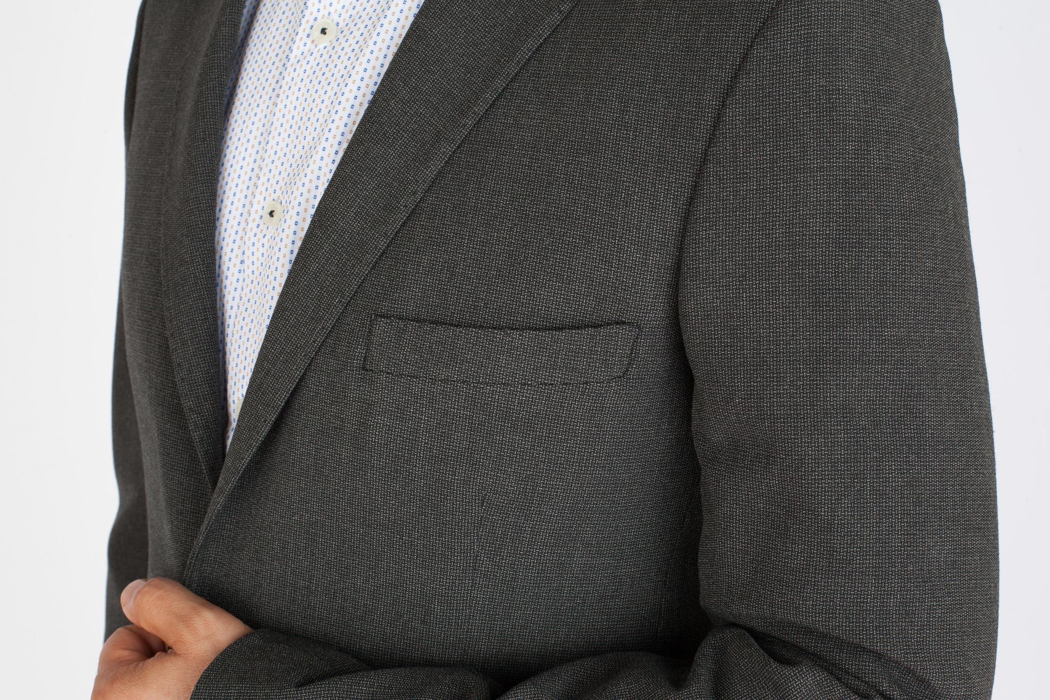 Серый шерстяной пиджак, нагрудный карман