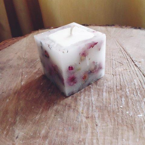 Свеча  куб Розы