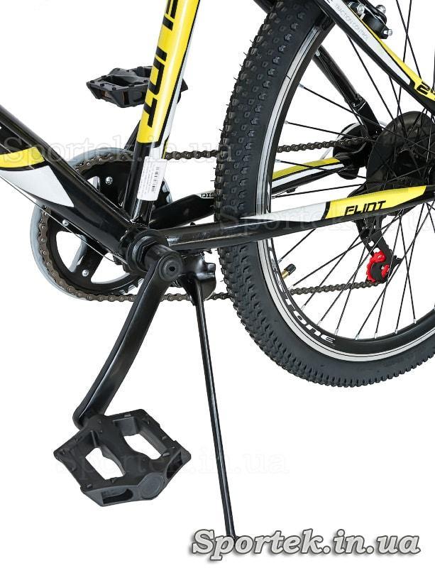 Подножка и педаль подросткового городского велосипеда Discovery Flint