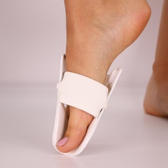 болящая косточка на ноге