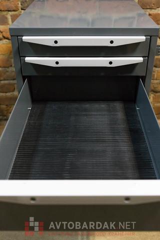 Резиновый коврик 420х580 мм в выдвижной ящик инструментальной тумбы (серии ТВК).