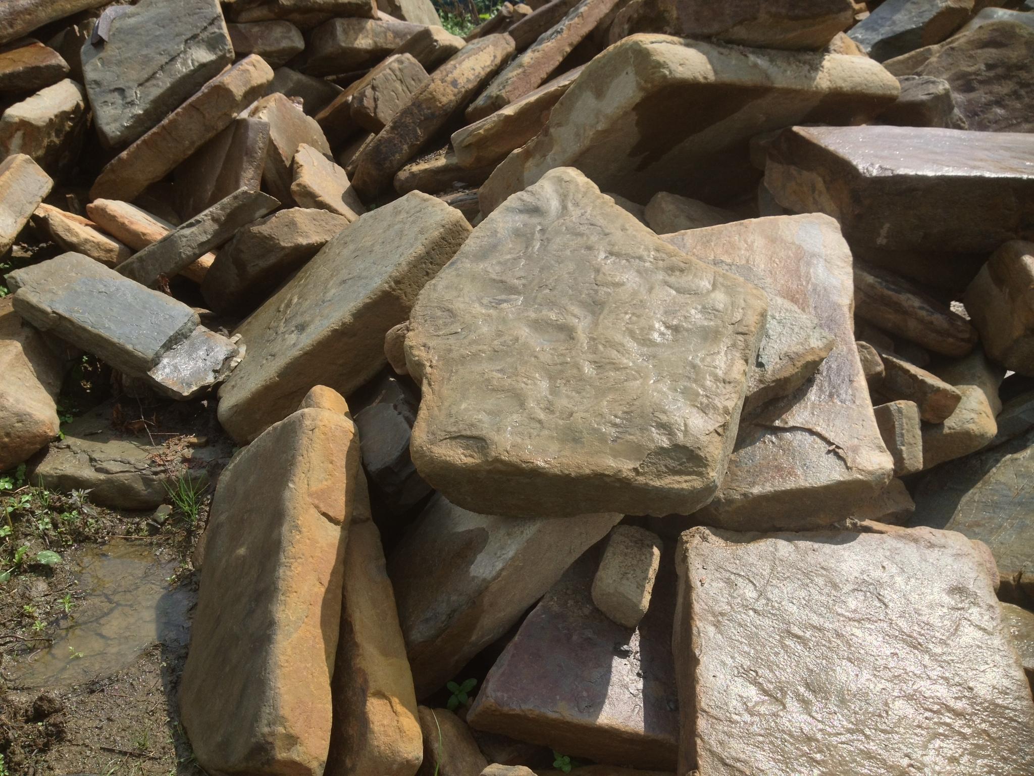 Мокрый камень Шаговая дорожка камень речной Серый