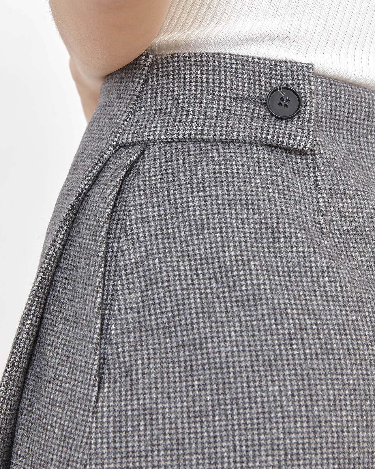Юбка мини на запах серого цвета фото