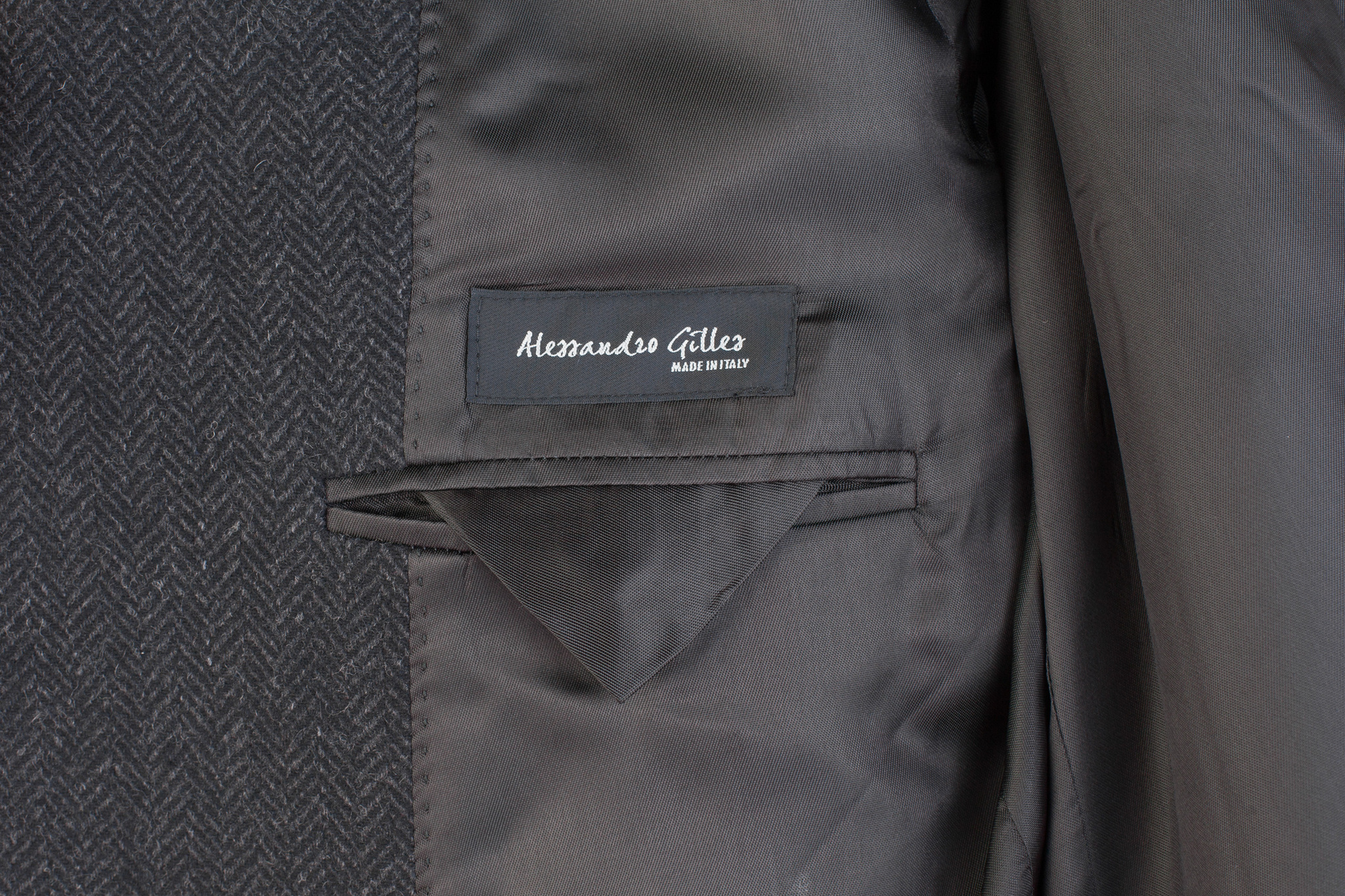 Тёмно-серое шерстяное пальто с узором «в ёлочку», внутренний карман