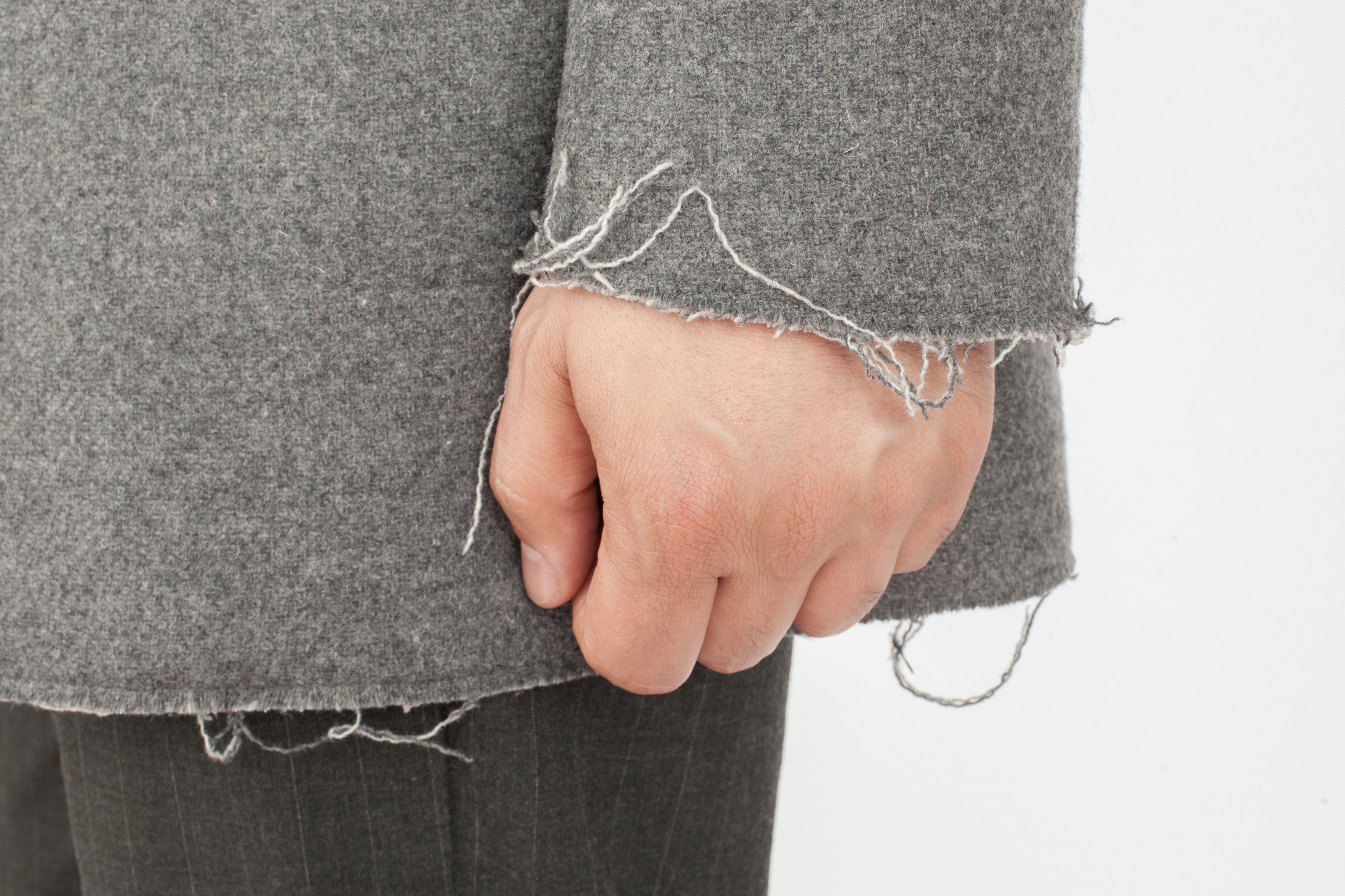 Светло-серое лёгкое шерстяное пальто