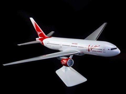 Модель самолета Boeing 777-200 (М1:100