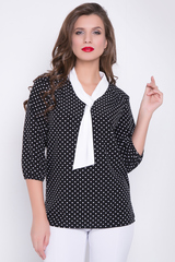 <p>Нарядная блузка свободного кроя в горох. Втачной ворот в виде галстука белого цвета отлично освежает данную модель. Блузка прекрасно сочетается и с юбкой, и с брюками. Рукав 3/4 на резинке. (Длины: 46-48=64см; 50-52=65см)</p>