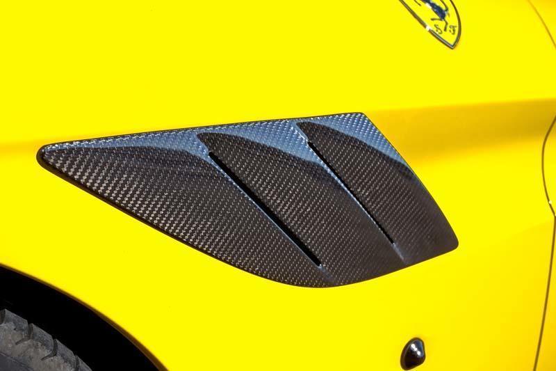 Карбоновые вставки в воздухозаборники крыльев Novitec Style для Ferrari California