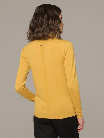 Женский джемпер желтого цвета из шерсти и шелка - фото 2