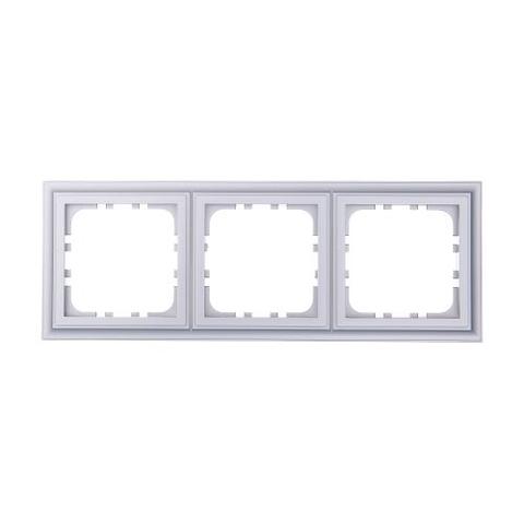 Рамка на 3 поста. Цвет Серебристый металлик. LK Studio CLASSIC (ЛК Студио Классик). 894303