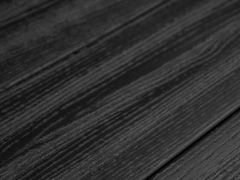 Террасная доска SW Padus (R) - радиальный распил. Цвет черный.