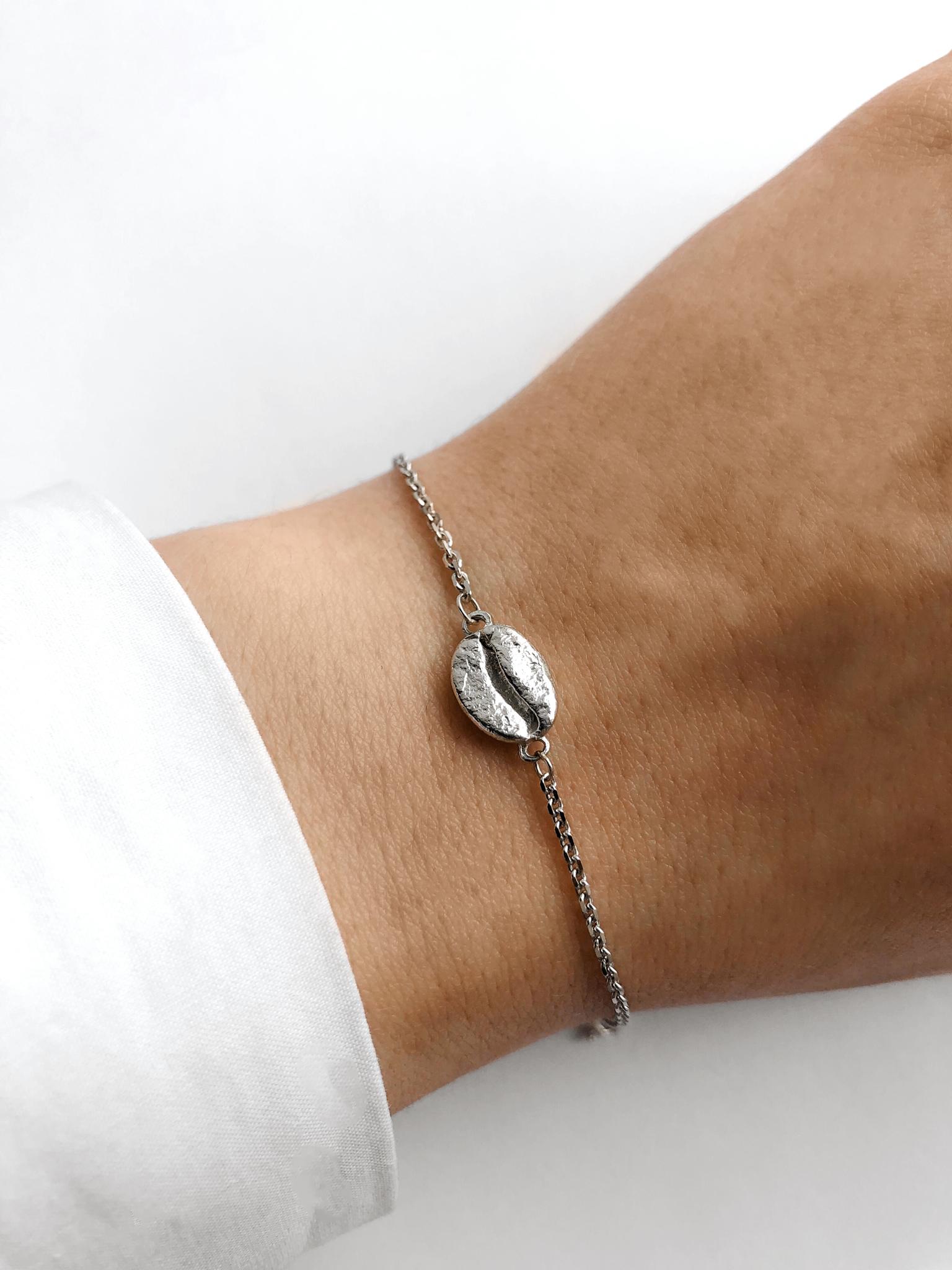 Серебряный браслет на цепочке с