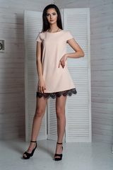 Соло. Легкое летнее платье с кружевом. Пудра