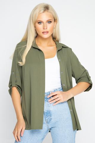 <p><span>Модная рубашка свободного кроя с рукавом 3/4, застёжка по переду на пуговицах.</span></p>