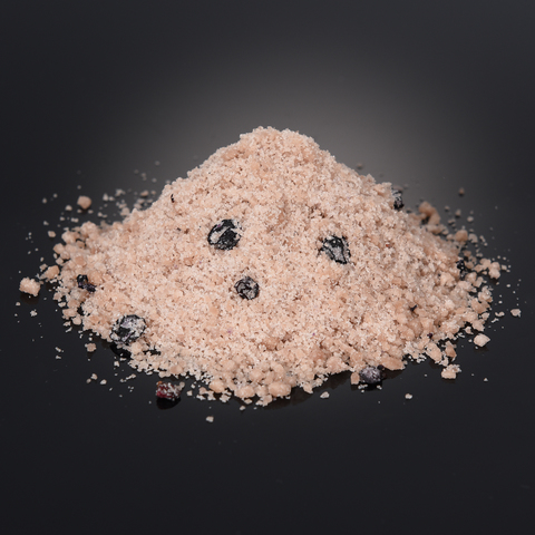 Salt with crowberry