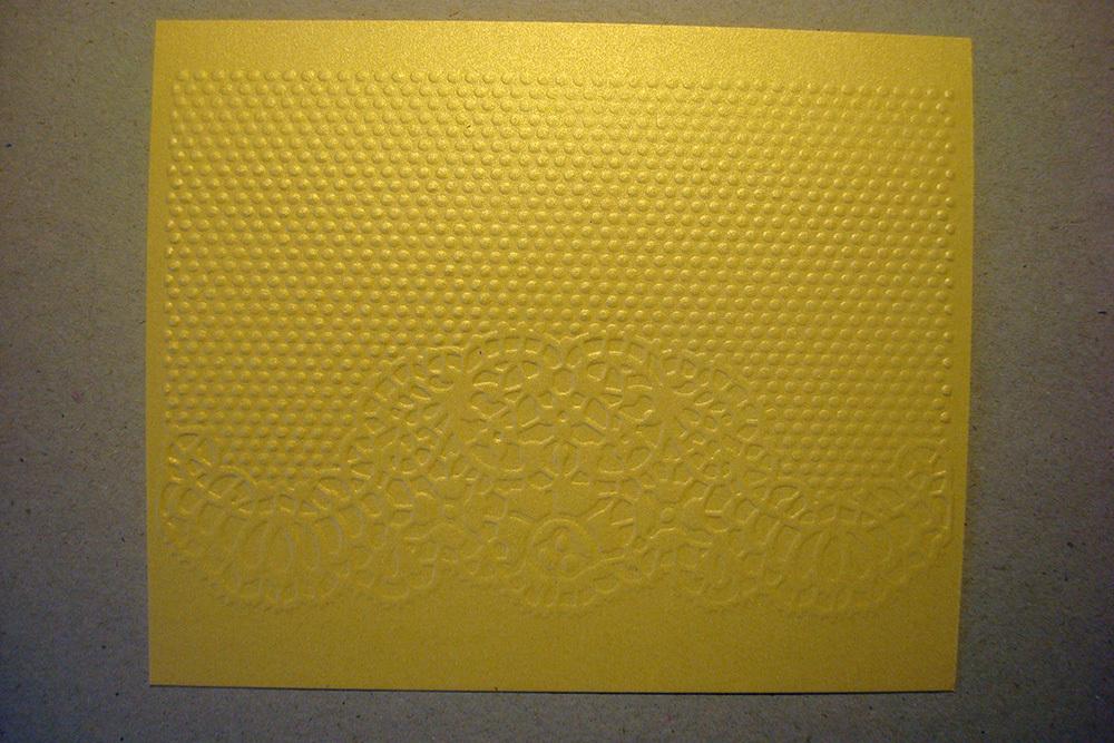 Бумага с тиснением Кружево, золото