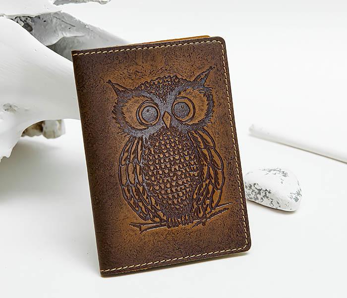 Кожаная обложка на паспорт с совой