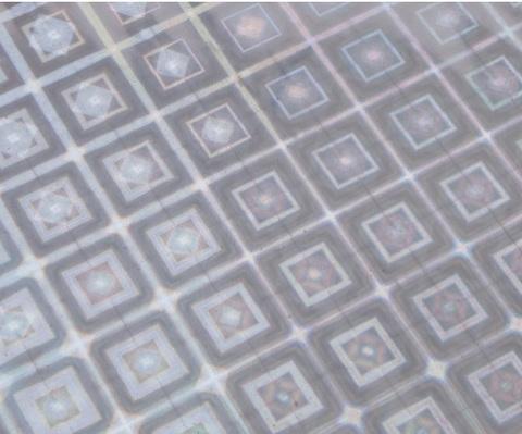 Пленка голография (размер: 70см*8,3м, 30мкм), цвет: серебро