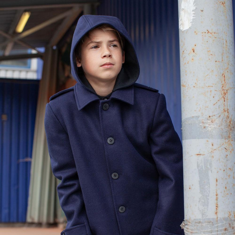 Подростковое кашемировое пальто синего цвета на мальчика