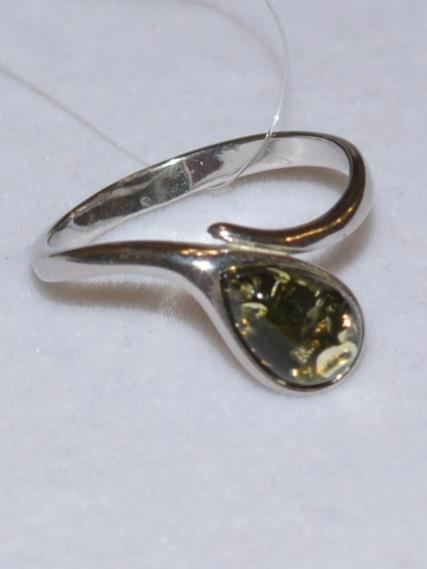 Янтарь 41103 (кольцо из серебра)