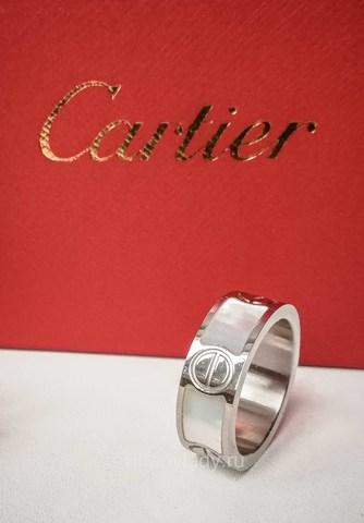 Кольцо Cartier с перламутром