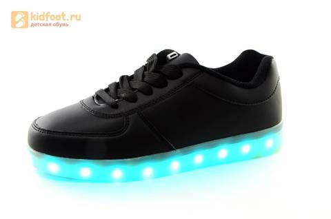 Светящиеся кроссовки с USB зарядкой Fashion (Фэшн) на шнурках, цвет черный, светится вся подошва. Изображение 9 из 27.