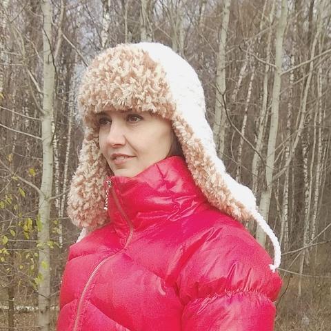 Купить Купить женскую вязаную шапку-ушанку